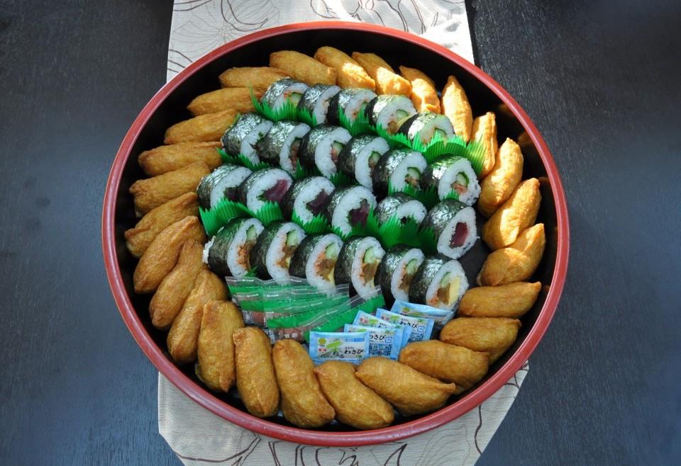 巻き寿司アラカルトと稲荷寿司【A18】5~6人盛