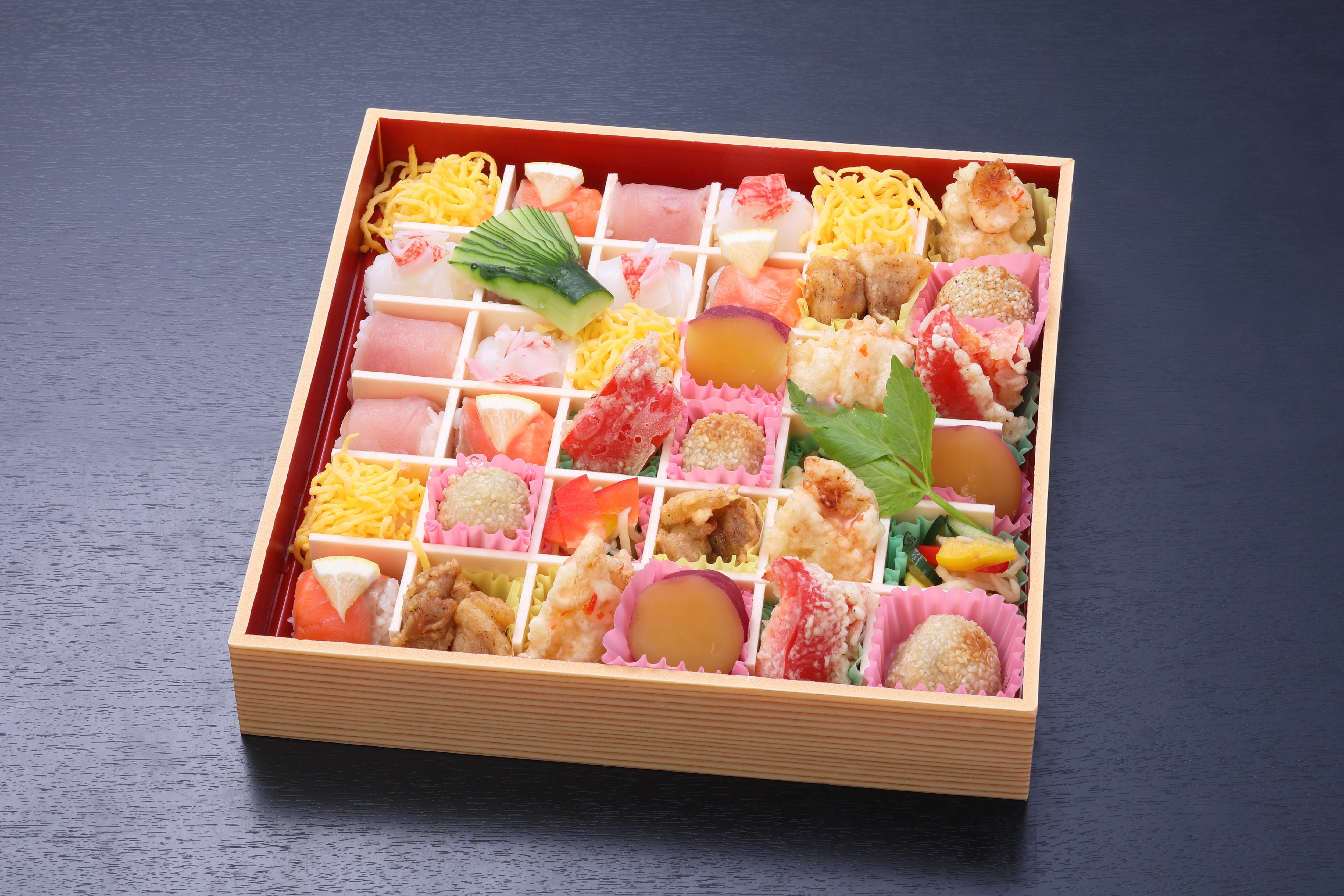手まり寿司とオードブル(寿司18貫・オードブル18貫)