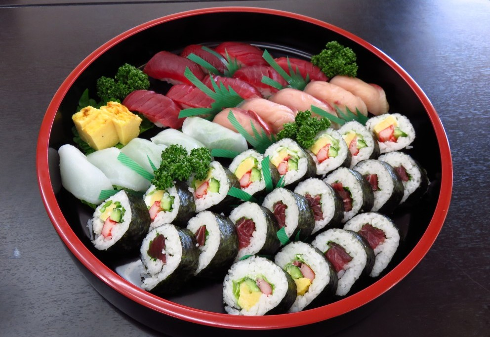 華の盛り 握り寿司と巻き寿司アラカルト【A06】 4~5人盛