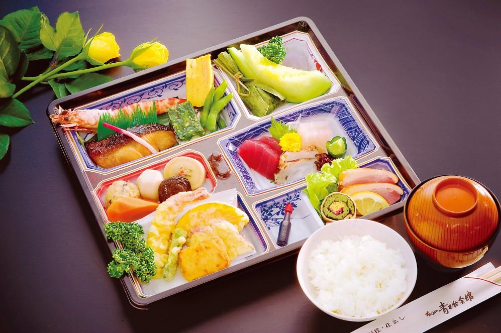 割子「八潮」(御飯・御味噌汁付き)【A42】